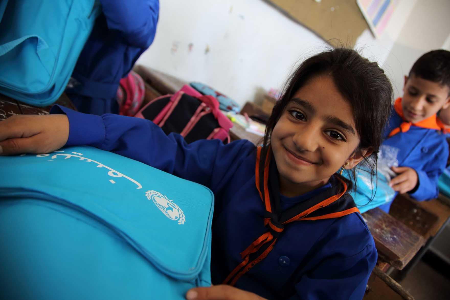 UNICEF och Efva Attling samarbetar för alla barns rättigheter