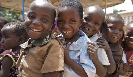 Glada barn i Malawi.